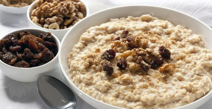 How Eating Oatmeal Can Help You Lose Weight